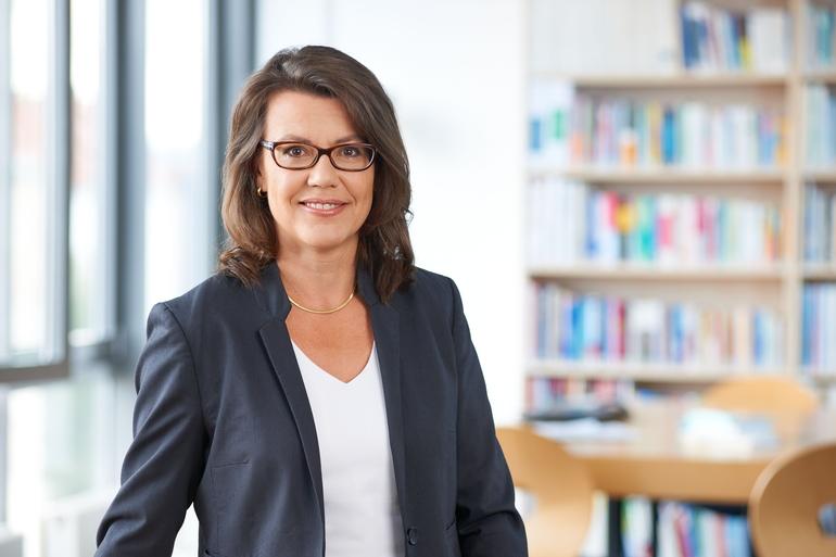 Dr. Iris Pfeifer